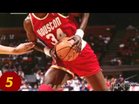 Top 10 basketball players that wore glasses or goggles
