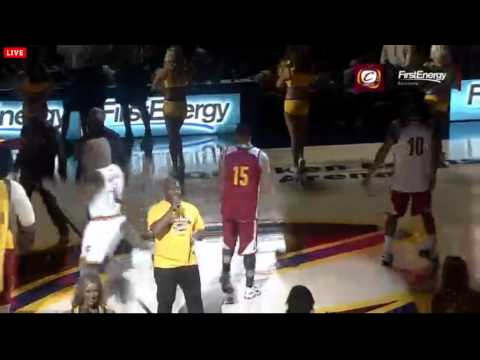 Cleveland cavaliers' first players introduction (lebron james is back, crowd goes crazy!)