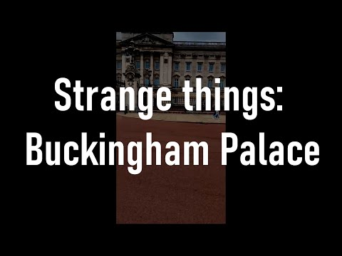 Strange things at buckingham palace | where are the queen's guards ?