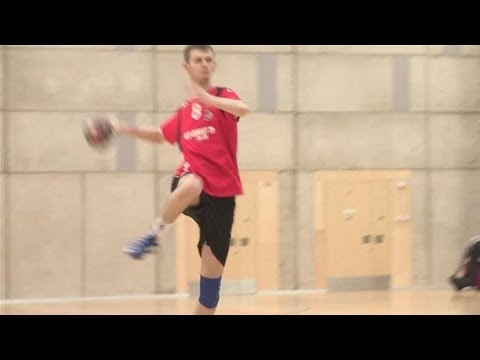 How to jump and shoot in handball