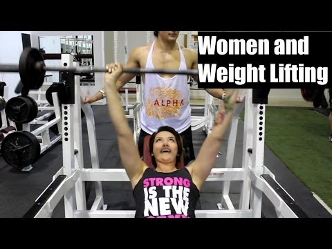Women and weight lifting: the myth that lifting heavy makes you bulky
