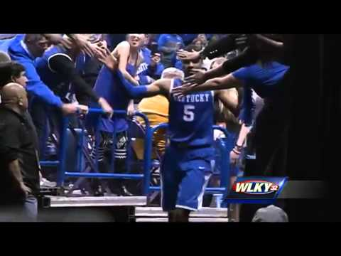 Raw video: uk players leave floor after beating wichita state